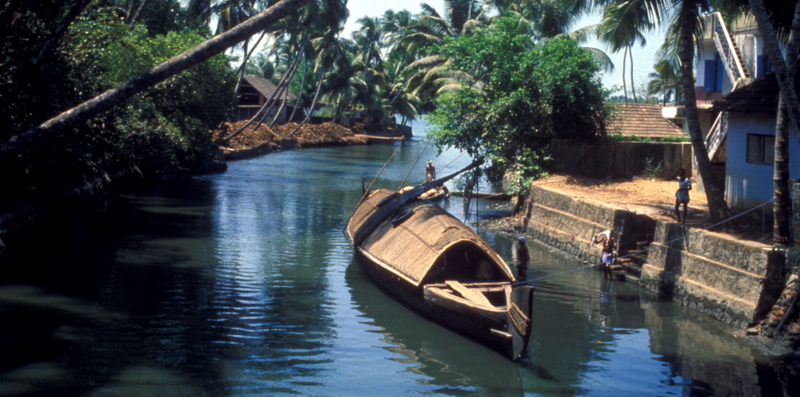 1-Kerala-waterway-003